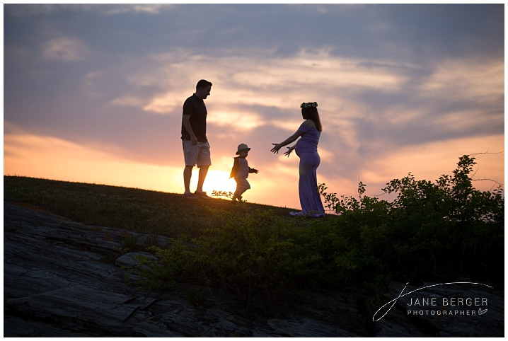 maine maternity photography at Kettle Cove